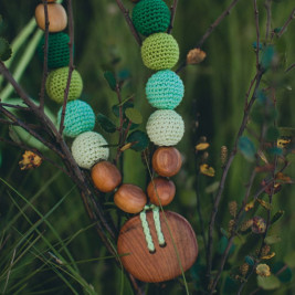 Button necklace in all shades of Green, Oak Wood Kangaroocare