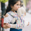 Ergobaby porte-poupée Crayons Arc-en-ciel