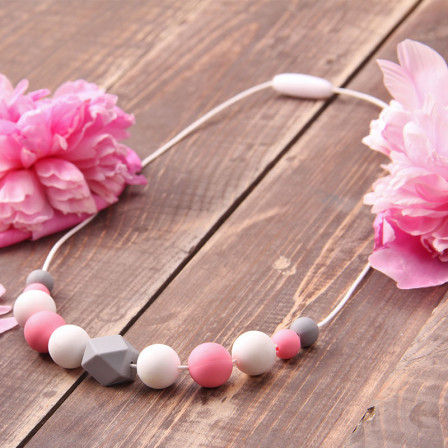 Necklace babywearing and breastfeeding Magnolia Love and Carry