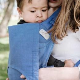 Fidella FlowClick Chevron bleu clair - Porte-bébé Halfbuckle taille bébé