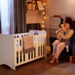 Kindekraft Stello lit bébé en bois 120 x 60 cm