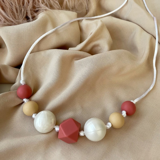 Love And Carry Pearl Collier de portage en silicone alimentaire