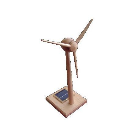 Eolienne solaire en bois