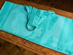 Echarpe sling à plis cousus serrés